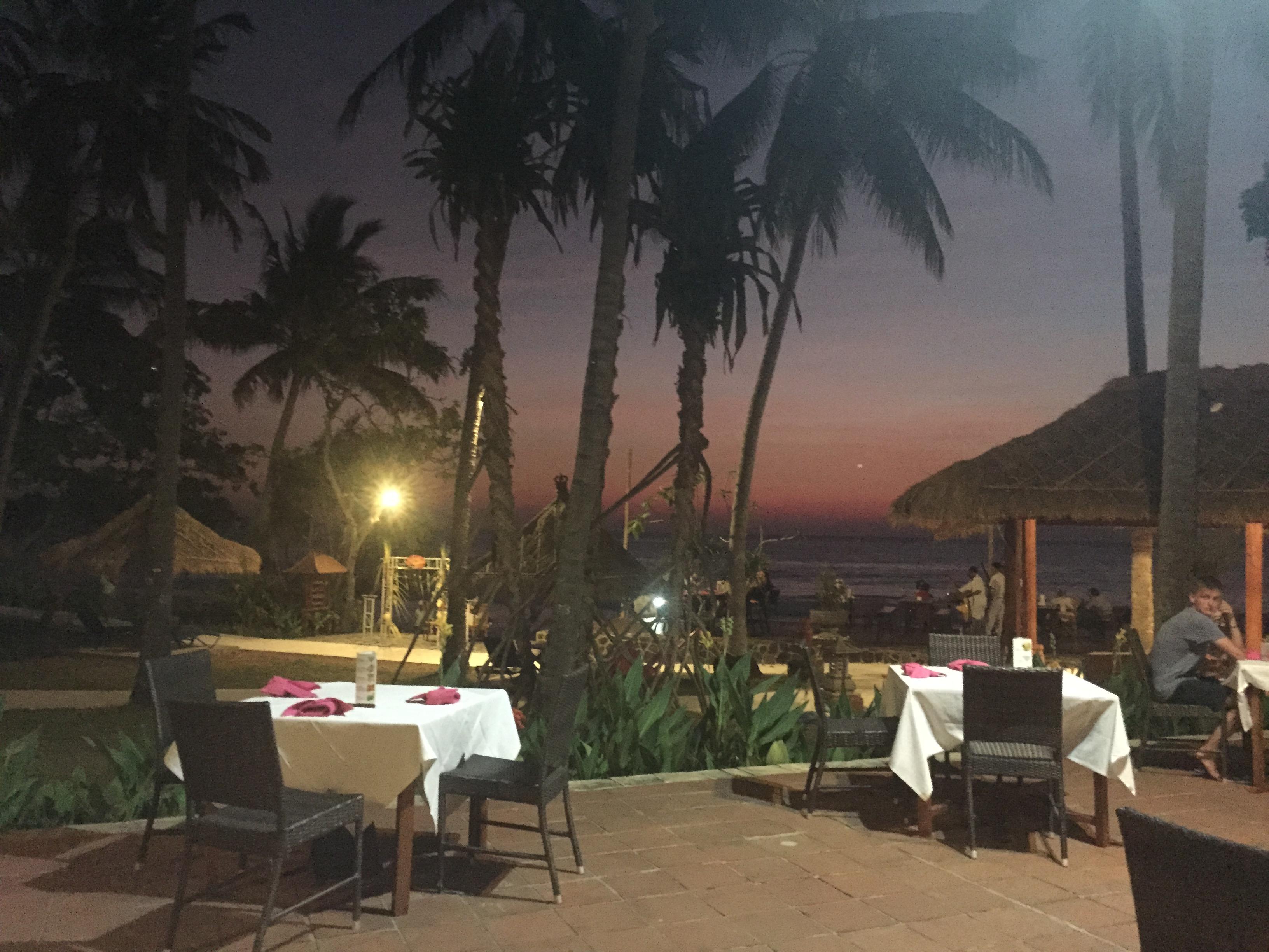 Champagne Twilight - Lombok Dinner